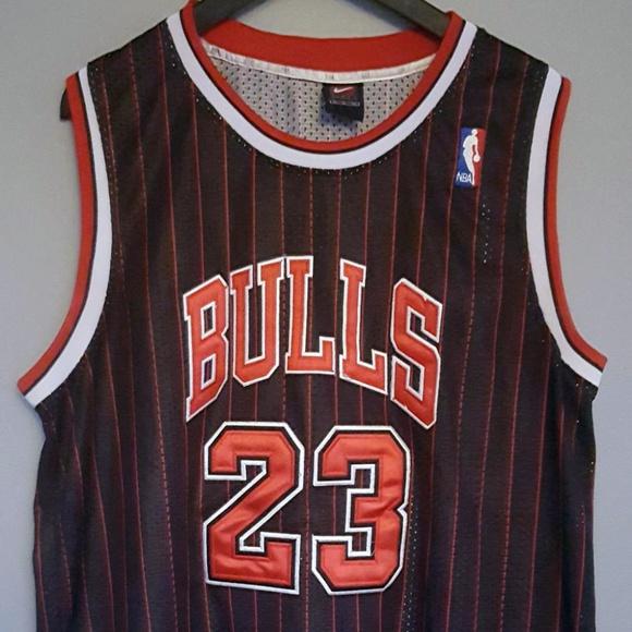 55e16d5478c9 Nike Chicago Bulls Michael Jordan Vintage Jersey. M 5c3d1eabc89e1d16b8a2ab08